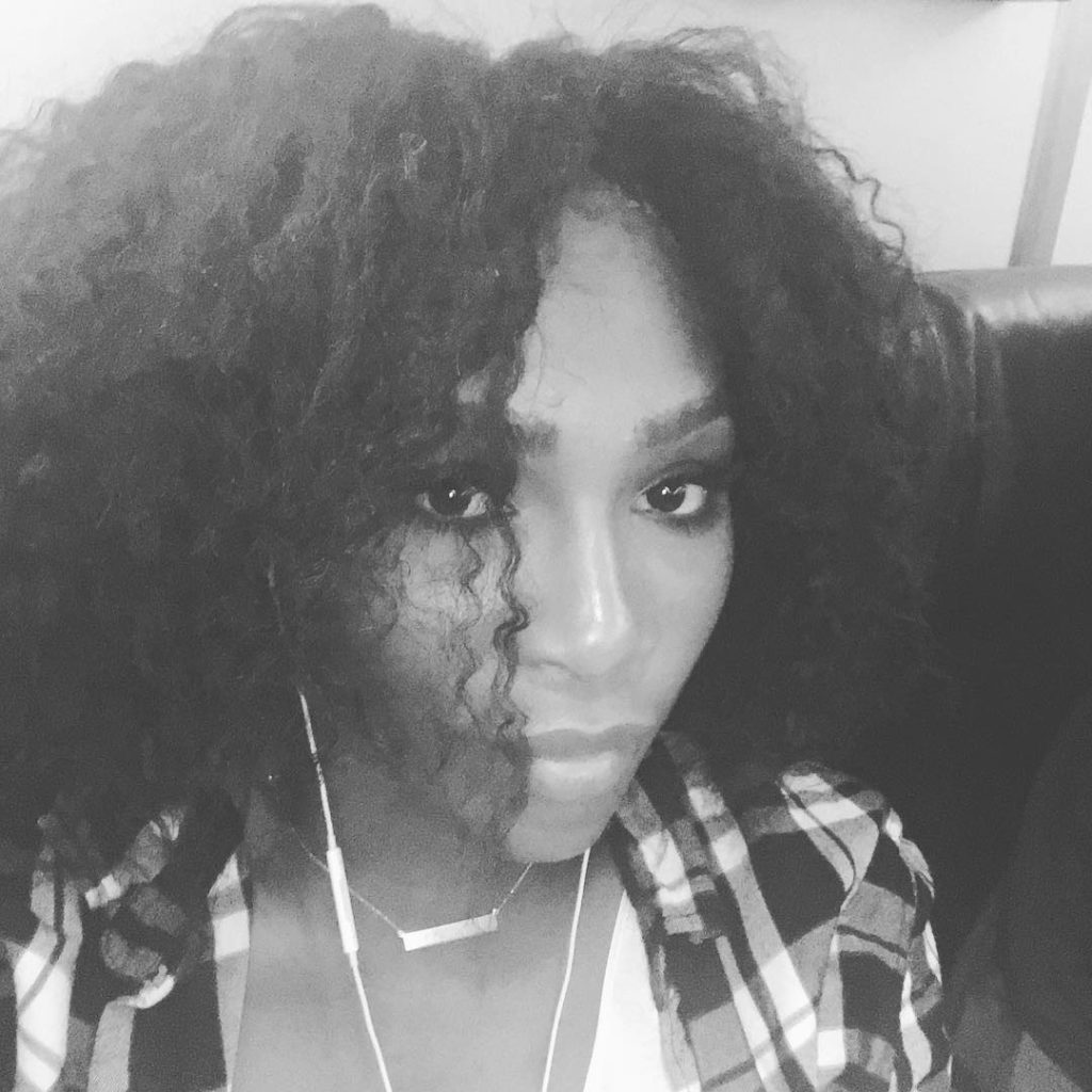 Serena Williams a Natural Beauty in her natural Curly Hair