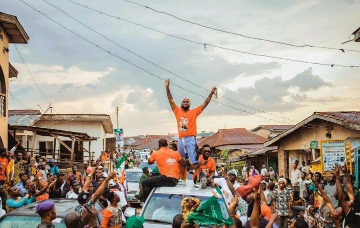 Davido Mobbed by Fans as He Campaigns for His Uncle in Osun State (Video)