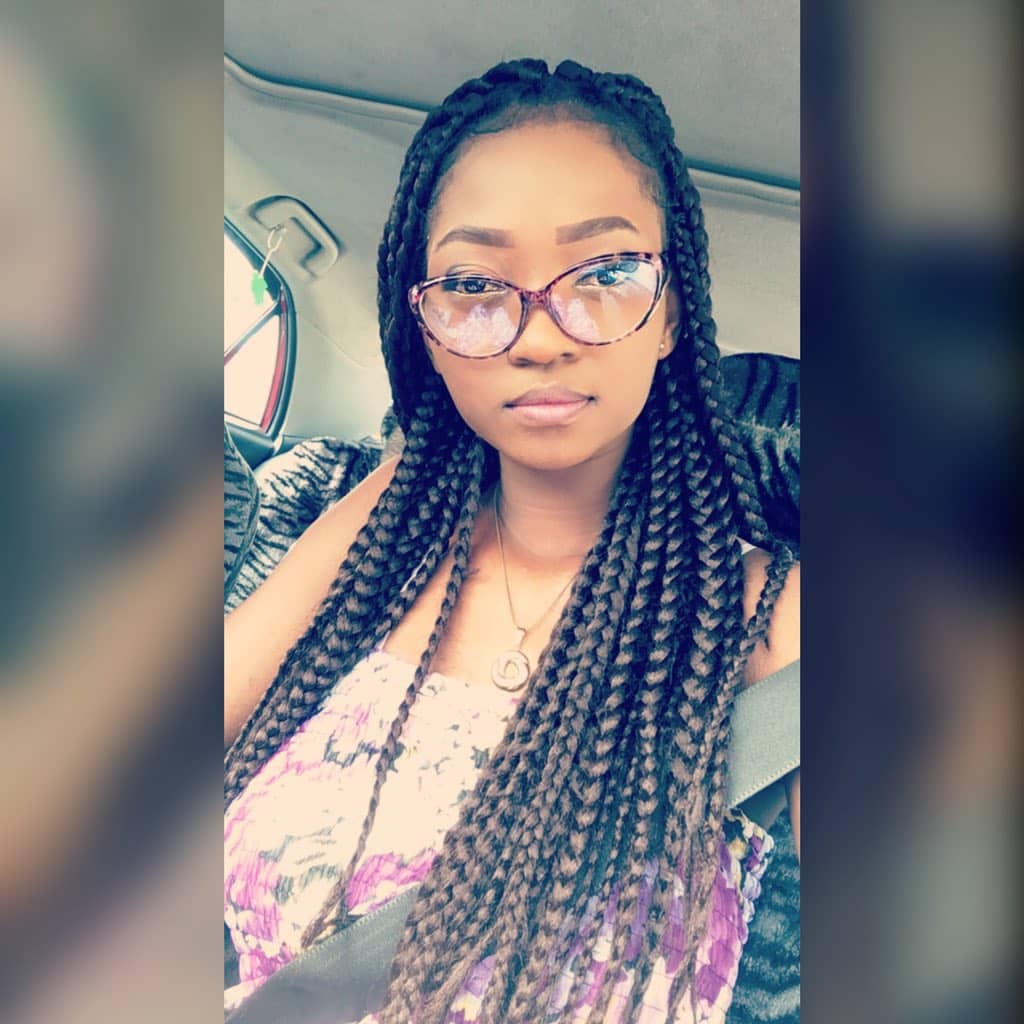 #NoBraDay Video Of A Busty, Slim Slay Queen With 'Heavy Boobs' Trends On Twitter