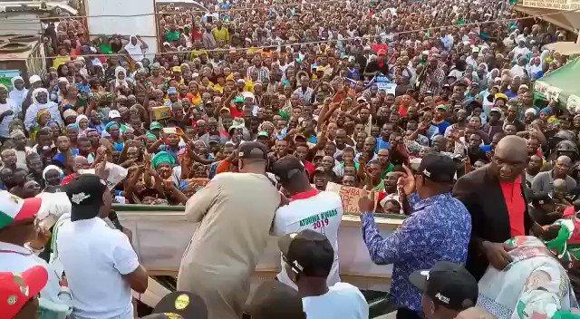 Saraki Dances Shaku Shaku, Removes Cap, Shows Street Credibility In Ilorin