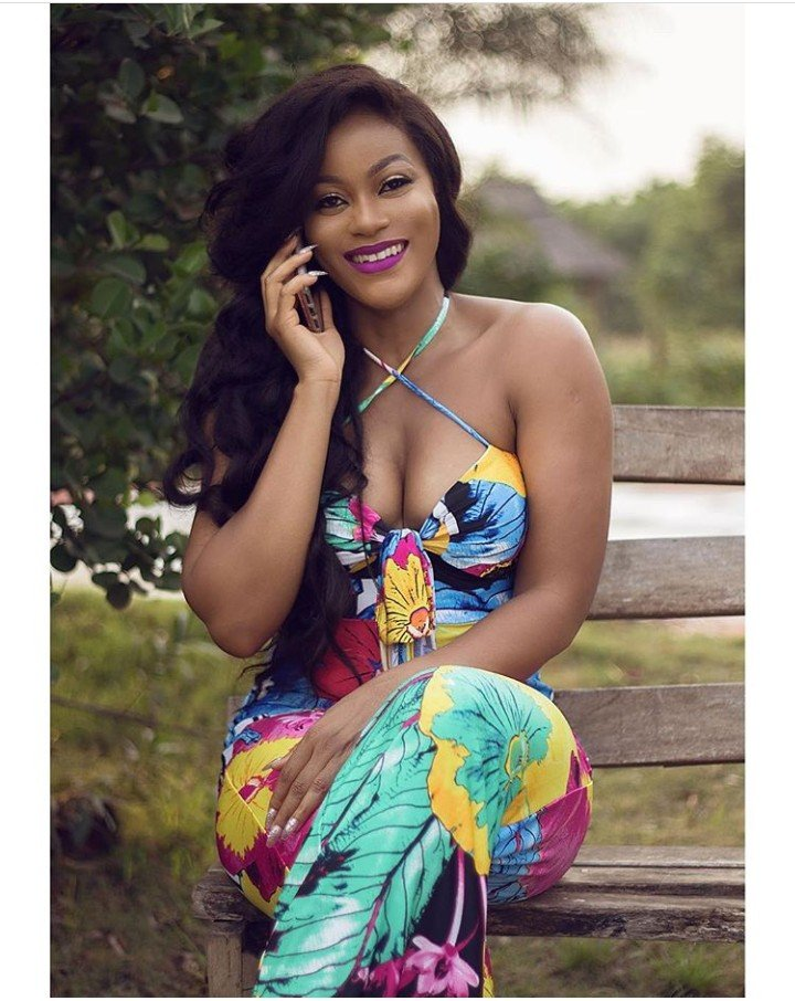 Damilola Adegbite shows of small watermelon In Cleavage-Baring Outfit