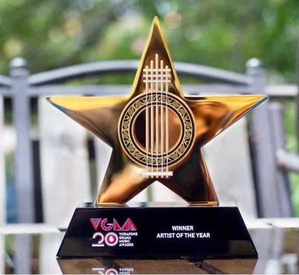 Burna Boy Wins African Artiste Of The Year At VGMA 2019 , See Full List Of Winners