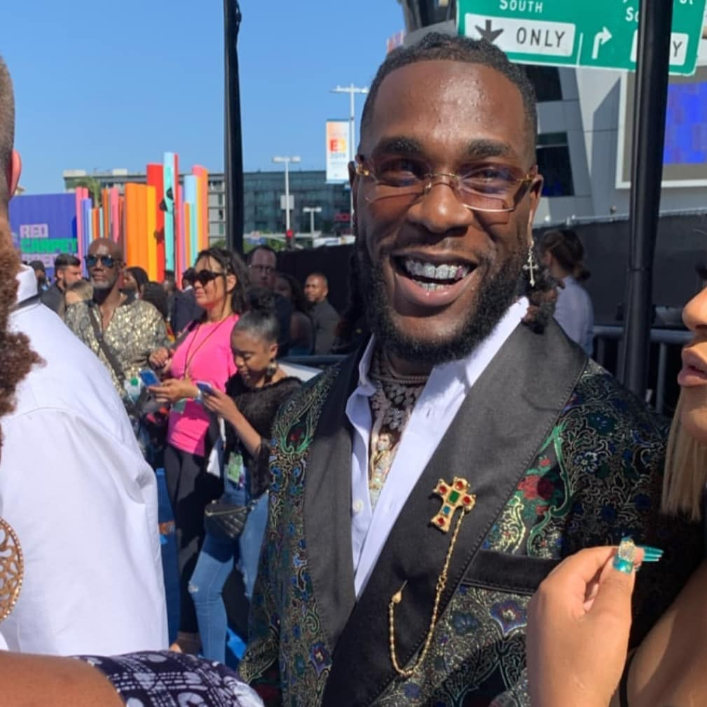 African Giant , Burna Boy wins Best International Act at BET Awards
