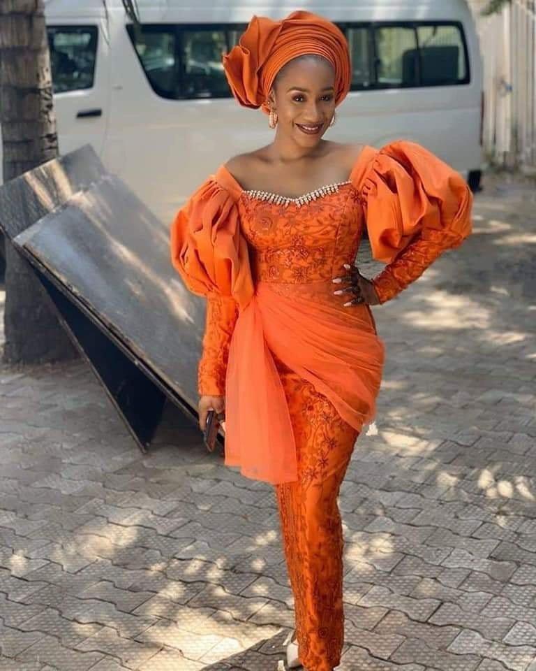 Asoebi styles Sewn into Perfection