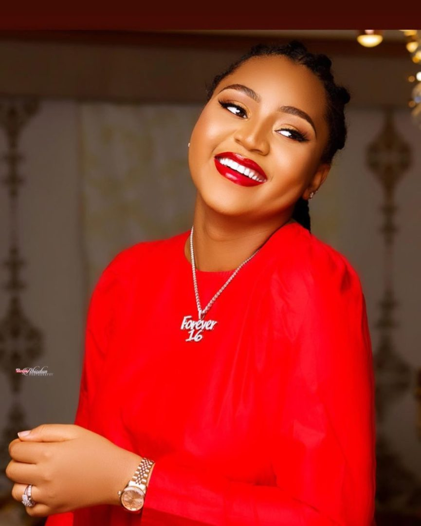 Watch Actress Regina Daniels dancing and showing her baby bumps ( Video)