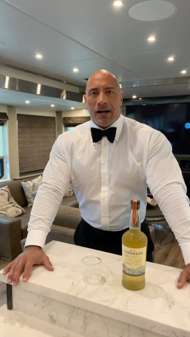 Dwayne Johnson aka the Rock becomes the Most followed Man in America with 200 million Instagram Followers